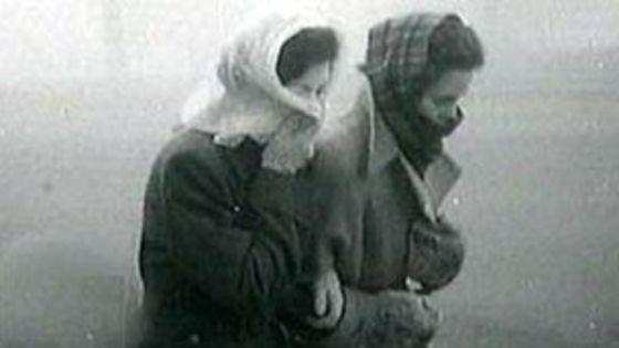 women in smog